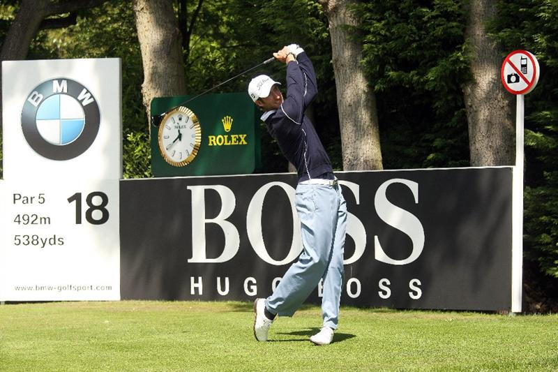 WENTWORTH, ENGLAND - MAY 24: Seve Benson of England tees off on the 18th hole during the Final Round of the BMW PGA Championship at Wentworth on May 24, 2009 in Virginia Water, England.  (Photo by Warren Little/Getty Images)