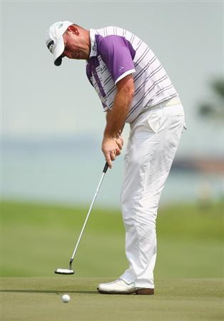 SINGAPORE - NOVEMBER 16:  Thomas Bjorn of Denmark in action during the final round of the Barclays Singapore Open at Sentosa Golf Club on November 16, 2008 in Singapore.  (Photo by Ian Walton/Getty Images)