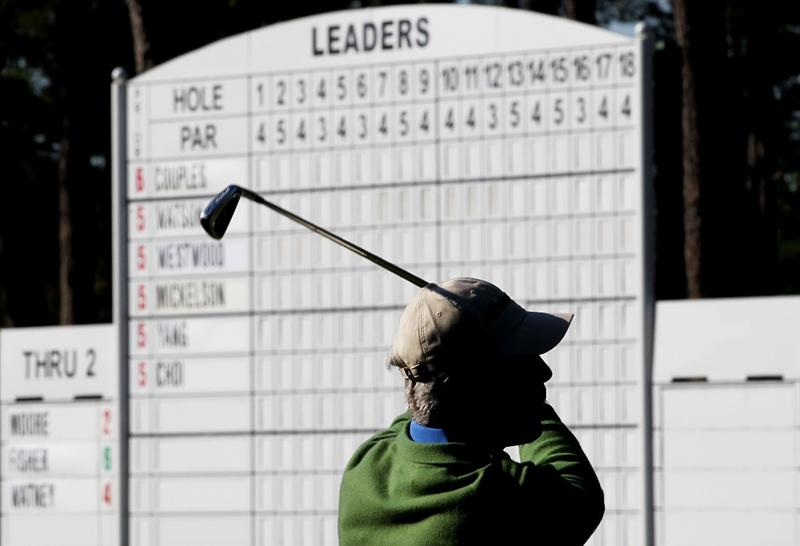 AUGUSTA, GA - APRIL 09:  Ben Crenshaw plays a shot on the fourth hole during the second round of the 2010 Masters Tournament at Augusta National Golf Club on April 9, 2010 in Augusta, Georgia.  (Photo by Jamie Squire/Getty Images)