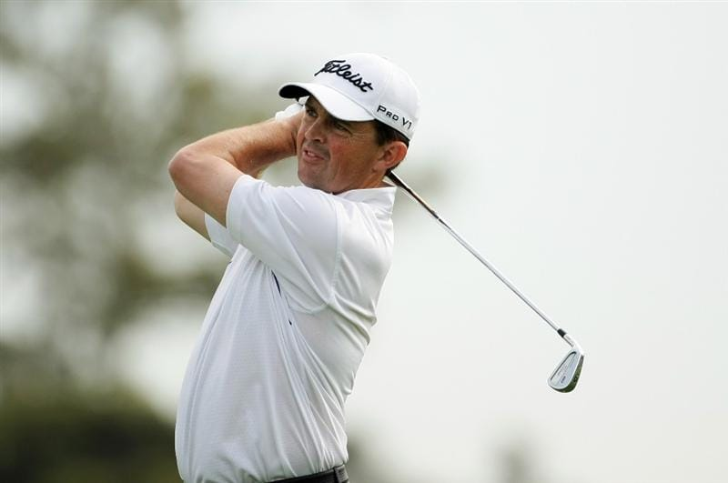 MELBOURNE, AUSTRALIA - NOVEMBER 12:  Greg Chalmers of Australia plays an approach shot on the 17th hole during round one of the 2009 Australian Masters at Kingston Heath Golf Club on November 12, 2009 in Melbourne, Australia.  (Photo by Robert Cianflone/Getty Images)