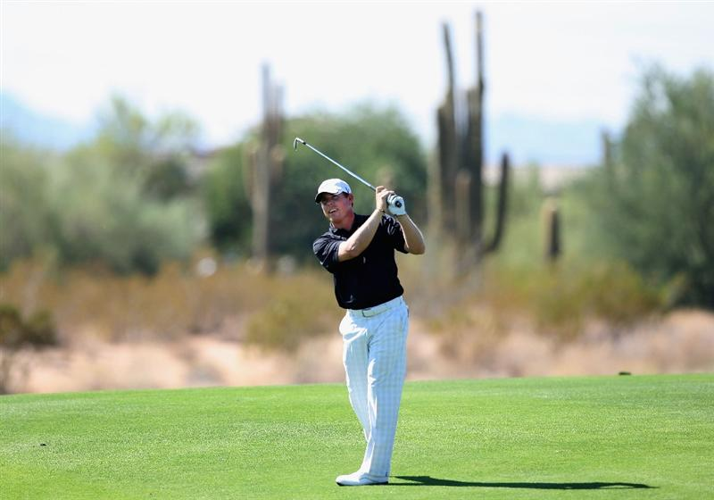 SCOTTSDALE, AZ - OCTOBER 23:  Justin Leonard hits his second shot on the ninth hole during the second round of the Frys.com Open at Grayhawk Golf Club on October 23, 2009 in Scottsdale, Arizona.  (Photo by Christian Petersen/Getty Images)