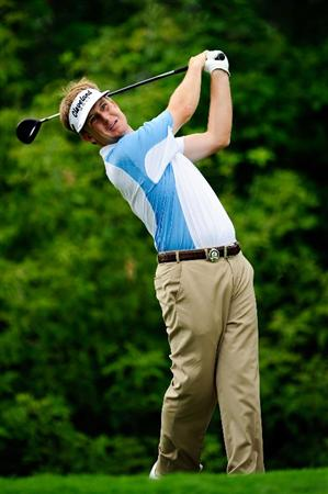 CHASKA, MN - AUGUST 13:  David Toms hits his tee shot on the tenth hole during the first round of the 91st PGA Championship at Hazeltine National Golf Club on August 13, 2009 in Chaska, Minnesota.  (Photo by Sam Greenwood/Getty Images)