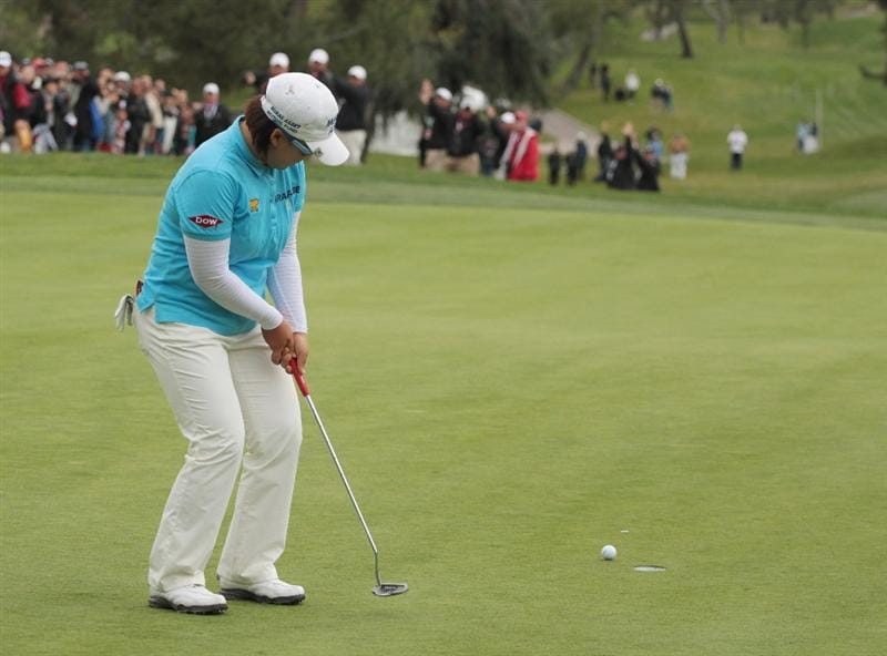 CITY OF INDUSTRY, CA - MARCH 27:  Jiyai Shin of South Korea reacts to a missed birdie putt on the 18th green during the final round of the Kia Classic on March 27, 2011 at the Industry Hills Golf Club in the City of Industry, California.  (Photo by Scott Halleran/Getty Images)