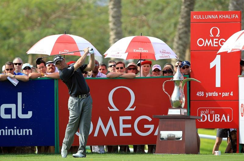 DUBAI, UNITED ARAB EMIRATES - FEBRUARY 12:  Lee Westwood of England plays his tee shot at the 1st hole during the third round of the 2011 Omega Dubai Desert Classic on the Majilis Course at the Emirates Golf Club on February 12, 2011 in Dubai, United Arab Emirates.  (Photo by David Cannon/Getty Images)