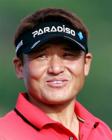 HONOLULU, HI - JANUARY 16:  Shigeki Maruyama of Japan waits to play a shot on the 13th hole during the third round of the Sony Open at Waialae Country Club on January 16, 2011 in Honolulu, Hawaii.  (Photo by Sam Greenwood/Getty Images)