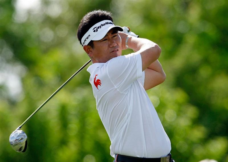 SOUTHAMPTON, BERMUDA - OCTOBER 20:  Y.E. Yang of South Korea hits his tee shot on the 4th hole during the first round of the PGA Grand Slam of Golf on October 20, 2009 Port Royal Golf Course in Southampton, Bermuda.  (Photo by Andy Lyons/Getty Images)