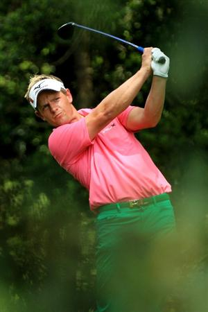 AUGUSTA, GA - APRIL 09:  Luke Donald of England watches his tee shot on the second hole during the third round of the 2011 Masters Tournament at Augusta National Golf Club on April 9, 2011 in Augusta, Georgia.  (Photo by David Cannon/Getty Images)