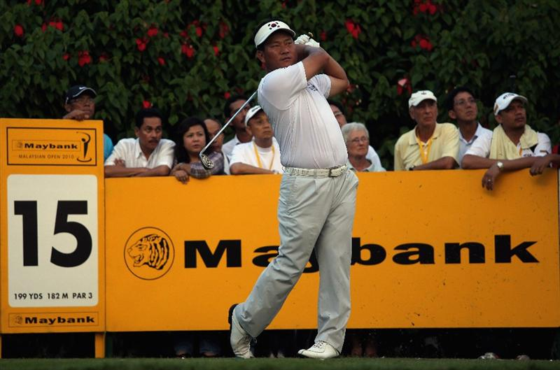 KUALA LUMPUR, MALAYSIA - MARCH 05:  KJ Choi of Korea hits his tee-shot on the 15th hole during the the second round of the Maybank Malaysian Open at the Kuala Lumpur Golf and Country Club on March 5, 2010 in Kuala Lumpur, Malaysia.  (Photo by Andrew Redington/Getty Images)