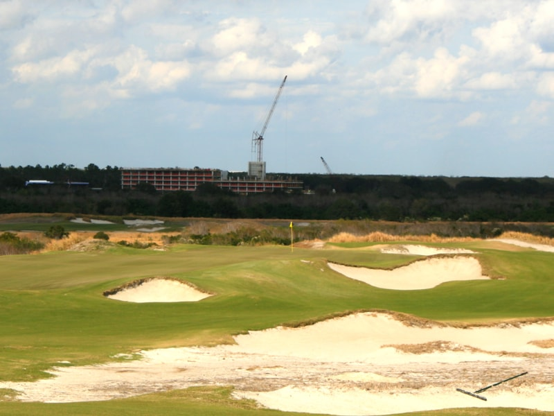 5th hole at Streamsong Blue