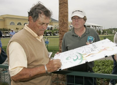 Jimmy Powell signs autographs during the Demaret competition during the Liberty Mutual Legends of Golf at Westin Savannah Harbor Golf Resort & Spa in Savannah, Georgia, on April 18, 2006.Photo by: Chris Condon/PGA TOUR