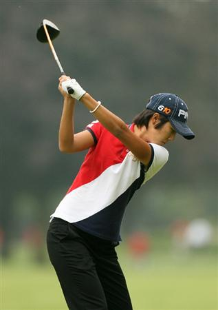 CLIFTON, NJ - MAY 16 : Song-Hee Kim of South Korea hits her tee shot on the 7th hole during the third round of the Sybase Classic presented by ShopRite at Upper Montclair Country Club on May 16, 2009 in Clifton, New Jersey. (Photo by Hunter Martin/Getty Images)
