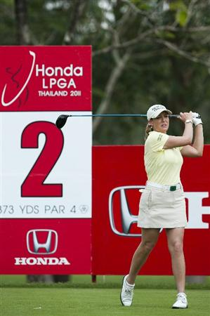 CHON BURI, THAILAND - FEBRUARY 17:  Cristie Kerr of USA tees off on the 2nd hole during day one of the LPGA Thailand at Siam Country Club on February 17, 2011 in Chon Buri, Thailand.  (Photo by Victor Fraile/Getty Images)