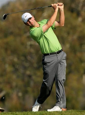 LA JOLLA, CA - JANUARY 31:  Lucas Glover hits his tee shot on the second hole on the South Course at Torrey Pines Golf Course during the final round of the Farmers Insurance Open on January 31, 2010 in La Jolla, California.  (Photo by Stephen Dunn/Getty Images)