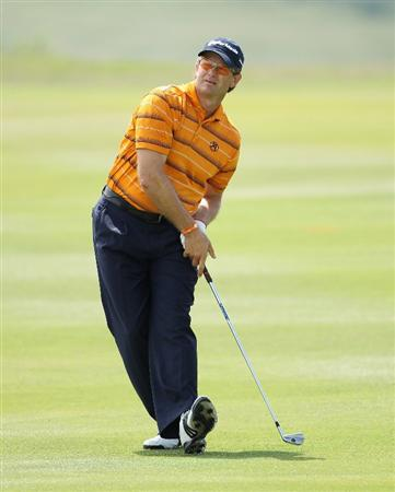 CASARES, SPAIN - MAY 20:  Retief Goosen of South Africa in action during the group stages of the Volvo World Match Play Championship at Finca Cortesin on May 20, 2011 in Casares, Spain.  (Photo by Andrew Redington/Getty Images)