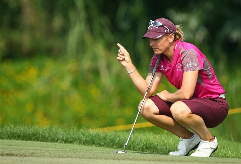 HAIKOU, CHINA - OCTOBER 24: (CHINA OUT) Annika Sorenstam of Sweden plays a shot on the 13th hole during day one of the Grand China Air LPGA 2008 on October 24, 2008 in Haikou of Hainan Province, China. (Photo by China Photos/Getty Images)