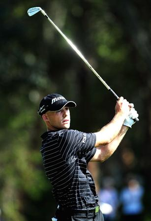 PALM HARBOR, FL - MARCH 20:  Jonathan Byrd plays a shot on the 13th hole during the second round of the Transitions Championship at the Innisbrook Resort and Golf Club on March 20, 2009 in Palm Harbor, Florida.  (Photo by Sam Greenwood/Getty Images)