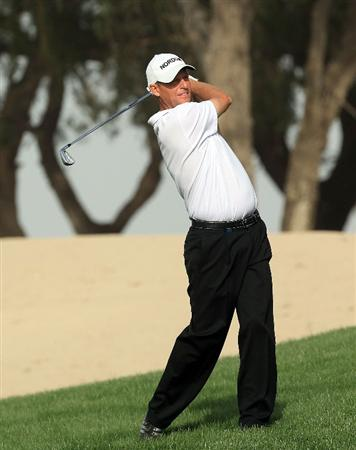 DUBAI, UNITED ARAB EMIRATES - FEBRUARY 04:  Anders Hansen of Denmark plays his second shot at the par 5, 13th hole during the first round of the 2010 Omega Dubai Desert Classic on the Majilis Course at the Emirates Golf Club on February 4, 2010 in Dubai, United Arab Emirates.  (Photo by David Cannon/Getty Images)