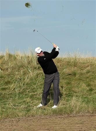 ST ANDREWS, SCOTLAND - OCTOBER 07:  Kenneth Ferrie of England plays his third shot from the edge of 'Hell Bunker' on the 14th hole during the first round of The Alfred Dunhill Links Championship at The Old Course on October 7, 2010 in St Andrews, Scotland.  (Photo by David Cannon/Getty Images)