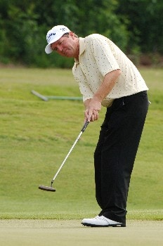 Des Smyth  putts for a birdie on the sixth hole  during the second round of the 2005 Blue Angels Class  May 14 in Milton, Fl.Photo by Al Messerschmidt/WireImage.com