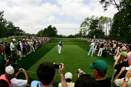 AUGUSTA, GA - APRIL 09:  Luke Donald of England hits a shot during the third day of practice prior to the start of the 2008 Masters Tournament at Augusta National Golf Club on April 9, 2008 in Augusta, Georgia.  (Photo by Harry How/Getty Images)