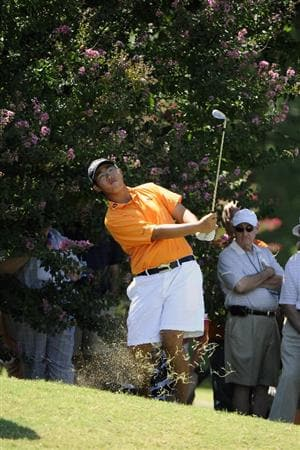 TULSA, OK - AUGUST 30:  Byeong-Hun An hits out of the rough on the 6th hole during the Finals of the U.S. Amateur Golf Championship on August 30, 2009 at Southern Hills Country Club in Tulsa, Oklahoma.  (Photo by G. Newman Lowrance/Getty Images)