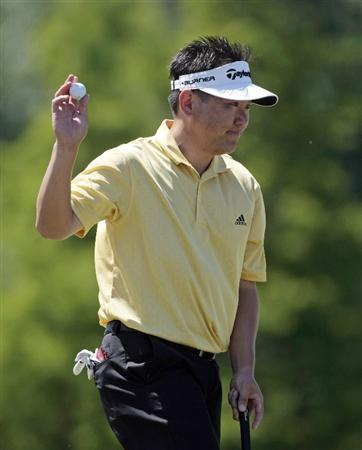 AVONDALE, LA - APRIL 23:   Charlie Wi waves after making a birdie on the 7th hole during the first round of the Zurich Classic at TPC Louisiana on April 23, 2009 in Avondale, Louisiana. (Photo by Dave Martin/Getty)