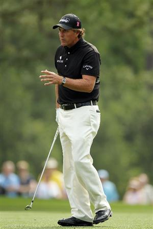 AUGUSTA, GA - APRIL 08:  Phil Mickelson reacts on the first hole during the second round of the 2011 Masters Tournament at Augusta National Golf Club on April 8, 2011 in Augusta, Georgia.  (Photo by Jamie Squire/Getty Images)