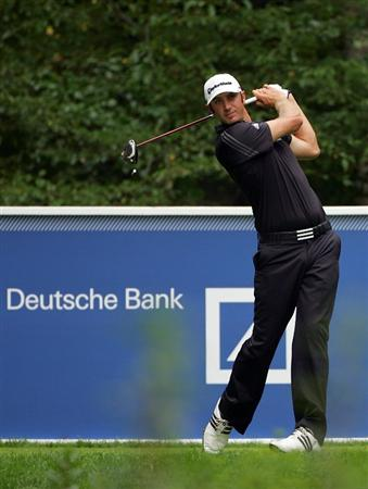 NORTON, MA - SEPTEMBER 03:  Dustin Johnson hits a shot off the ninth tee during the first round of the Deutsche Bank Championship at TPC Boston on September 3, 2010 in Norton, Massachusetts.  (Photo by Michael Cohen/Getty Images)