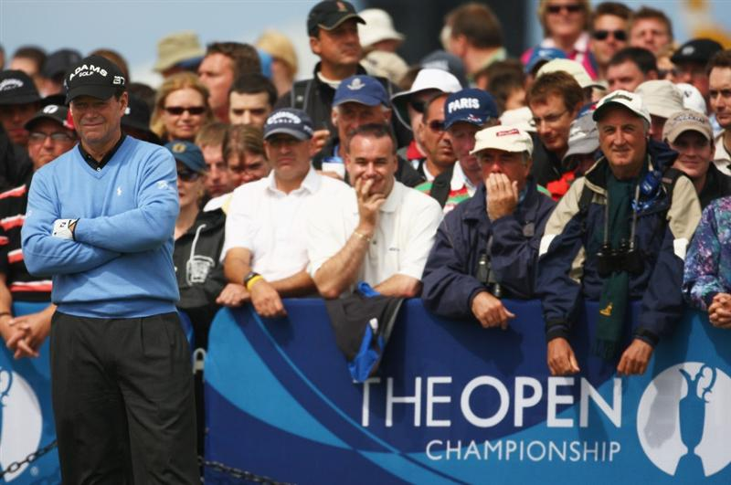 TURNBERRY, SCOTLAND - JULY 19:  Tom Watson of USA waits on the 1st tee during the final round of the 138th Open Championship on the Ailsa Course, Turnberry Golf Club on July 19, 2009 in Turnberry, Scotland.  (Photo by Richard Heathcote/Getty Images)