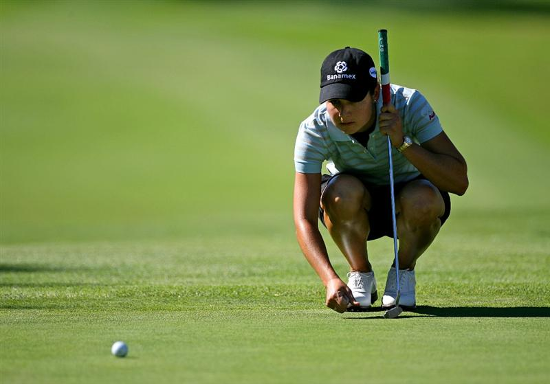 GUADALAJARA, MEXICO - NOVEMBER 14:  Lorena Ochoa lines up a birdie putt on the 18th hole during the second round of the Lorena Ochoa Invitational at Guadalajara Country Club on November 14, 2008 in Guadalajara, Mexico. (Photo by Hunter Martin/Getty Images)