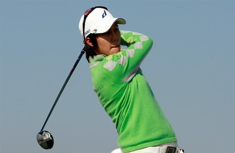 INCHEON, SOUTH KOREA - OCTOBER 29:  Kim Song-Hee of South Korea hits a tee shot on the 16th hole during the 2010 LPGA Hana Bank Championship at Sky 72 Golf Club on October 29, 2010 in Incheon, South Korea.  (Photo by Chung Sung-Jun/Getty Images)