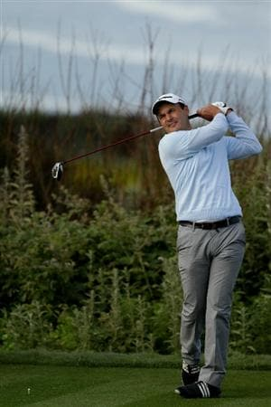 PEBBLE BEACH, CA - JUNE 17:  Simon Khan of England hits his tee shot on the 11th hole during the first round of the 110th U.S. Open at Pebble Beach Golf Links on June 17, 2010 in Pebble Beach, California.  (Photo by Andrew Redington/Getty Images)