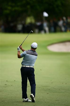 SYDNEY, AUSTRALIA - DECEMBER 11:  Peter Lonard plays an approach shot during the first round of the 2008 Australian Open at The Royal Sydney Golf Club on December 11, 2008 in Sydney, Australia.  (Photo by Matt King/Getty Images)