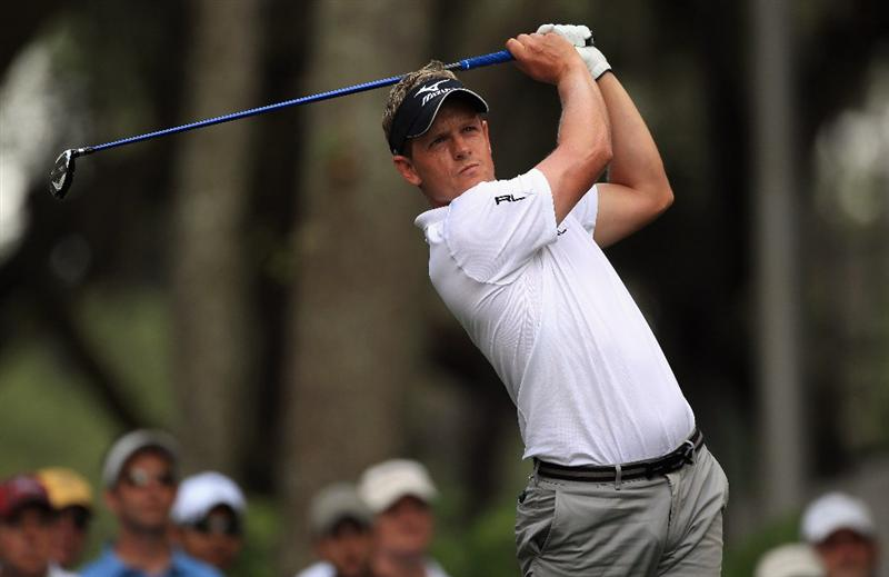 HILTON HEAD ISLAND, SC - APRIL 22:  Luke Donald of England watches his tee shot on the 16th hole during the second round of The Heritage at Harbour Town Golf Links on April 22, 2011 in Hilton Head Island, South Carolina.  (Photo by Streeter Lecka/Getty Images)