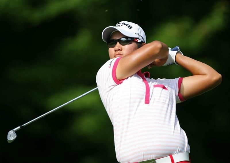 HAVRE DE GRACE, MD - JUNE 12:  Yani Tseng of Taiwan hits her tee shot on the 3rd hole during the second round of the McDonald's LPGA Championship at Bulle Rock Golf Course on June 12, 2009 in Havre de Grace, Maryland.  (Photo by Andy Lyons/Getty Images)