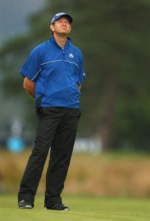 LUSS, SCOTLAND - JULY 12:  Retief Goosen of South Africa looks to the sky on the 2nd hole during the Final Round of The Barclays Scottish Open at Loch Lomond Golf Club on July 12, 2009 in Luss, Scotland.  (Photo by Richard Heathcote/Getty Images)