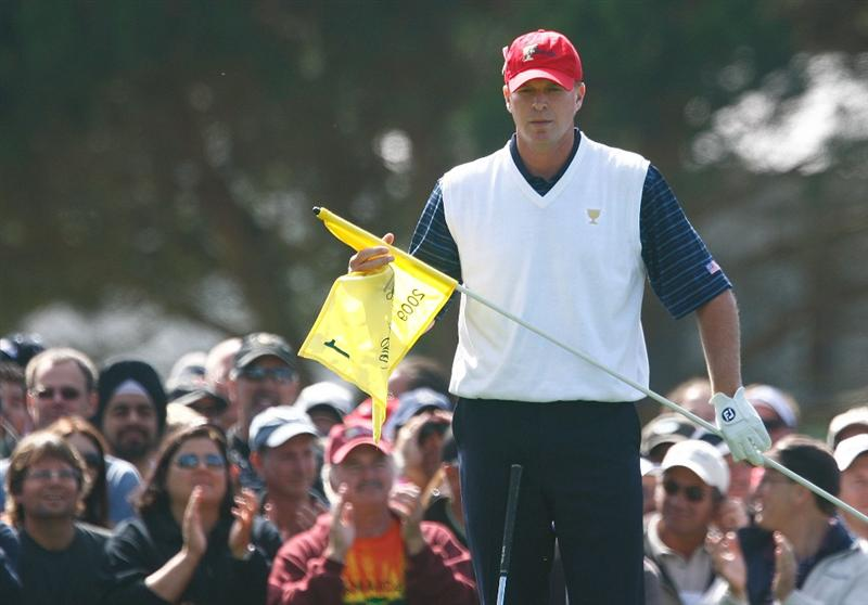 SAN FRANCISCO - OCTOBER 09:  Steve Stricker of the USA Team waits on the first green during the Day Two Fourball Matches of The Presidents Cup at Harding Park Golf Course on October 9, 2009 in San Francisco, California.  (Photo by Scott Halleran/Getty Images)