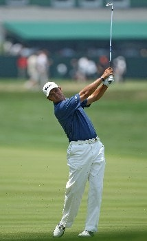 OAKMONT, PA - JUNE 17:  Tom Pernice Jr. hits his approach shot on the first hole during the final round of the 107th U.S. Open Championship at Oakmont Country Club on June 17, 2007 in Oakmont, Pennsylvania.  (Photo by David Cannon/Getty Images)