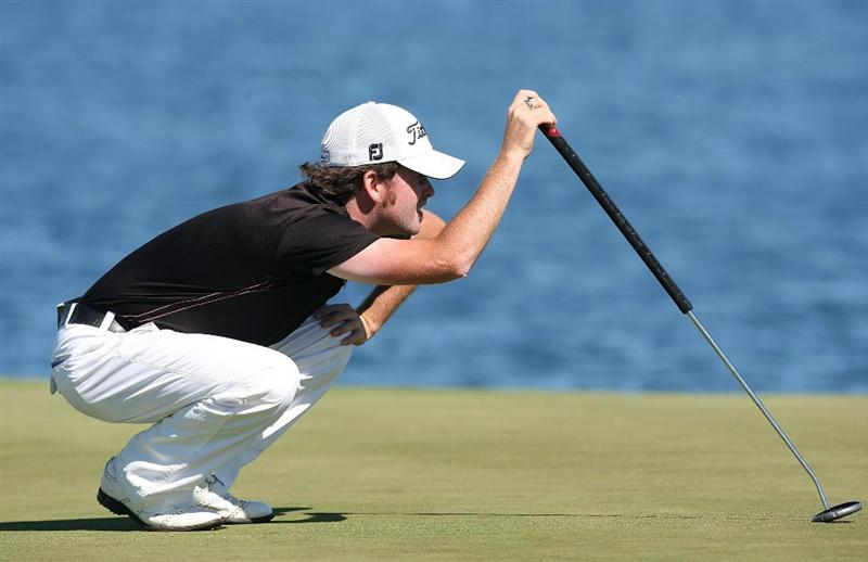 CHRISTCHURCH, NEW ZEALAND - MARCH 08:  Josh Geary of New Zealand lines up a putt during day four of the New Zealand PGA Championship at the Clearwater Golf Club on March 8, 2009 in Christchurch, New Zealand.  (Photo by Marty Melville/Getty Images)
