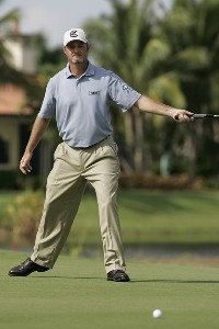 Jerry Kelly reacts to his missed eagle putt on the 17th hole during the third and final round of the Merrill Lynch Shootout at the Tiburon Golf Club in Naples, Florida on November 12, 2006. PGA TOUR - 2006 Merrill Lynch Shootout - Final RoundPhoto by Michael Cohen/WireImage.com