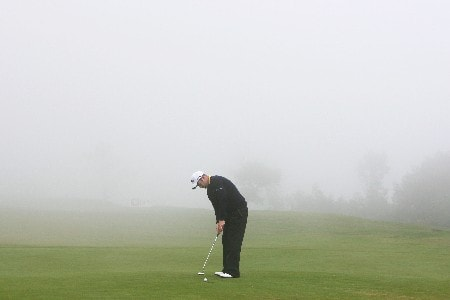 MADEIRA, PORTUGAL - MARCH 23:  Alastair Forsyth of Scotland putts on the 17th hole in thick fog during the final round of the Madeira Islands Open BPI 2008 at Clube De Golf Santo Da Serra on March 23, 2008 in Madeira, Portugal.  (Photo by Ryan Pierse/Getty Images)