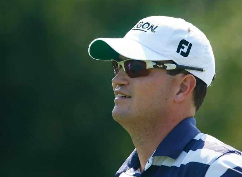LEMONT, IL - SEPTEMBER 10:  Zach Johnson walks off a tee box during the first round of the BMW Championship held at Cog Hill Golf & CC on September 10, 2009 in Lemont, Illinois.  (Photo by Scott Halleran/Getty Images)