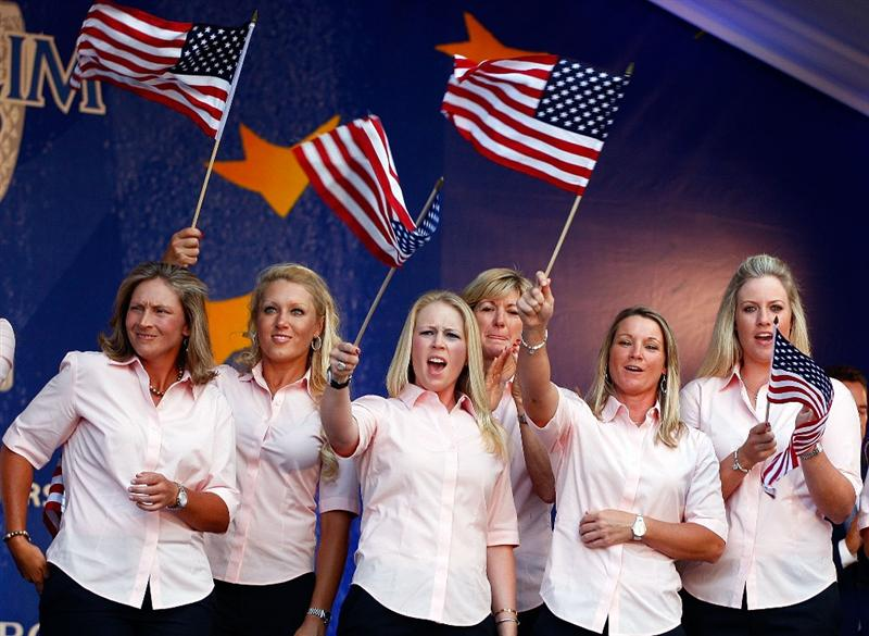 SUGAR GROVE, IL - AUGUST 20:  (L-R) Angela Stanford, Natalie Gulbis, Morgan Pressel, Beth Daniel, Kristy McPherson and Brittany Lincicome of the U.S. Team wave to the fans during the Opening Ceremonies prior to the start of the 2009 Solheim Cup at Rich Harvest Farms on August 20, 2009 in Sugar Grove, Illinois.  (Photo by Scott Halleran/Getty Images)