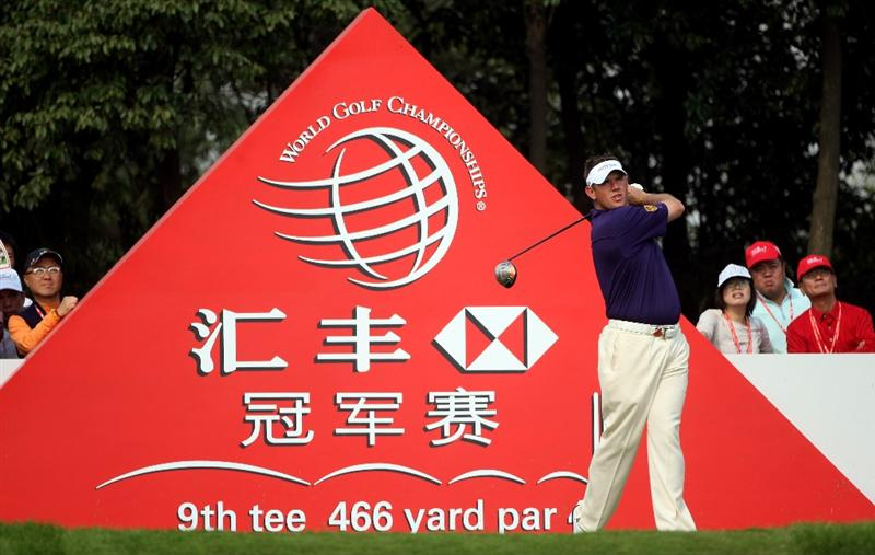 SHANGHAI, CHINA - NOVEMBER 06:  Lee Westwood of England hits his tee-shot on the ninth hole during the second round of the WGC-HSBC Champions at Sheshan International Golf Club on November 6, 2009 in Shanghai, China.  (Photo by Andrew Redington/Getty Images)