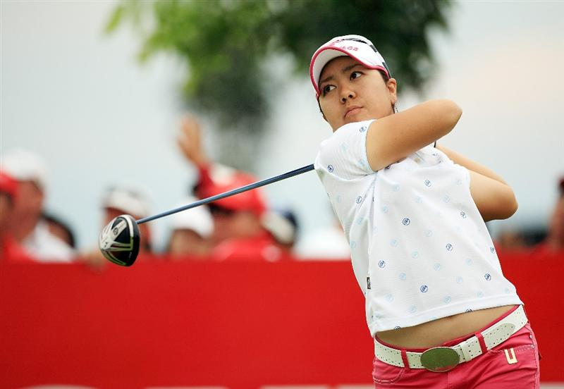 CHONBURI, THAILAND - MARCH 01:  Mika Miyazato of Japan plays her 1st shot on the 1st hole during day four of the Honda LPGA Thailand 2009 at Siam Country Club Plantation on March 01, 2009 in Pattaya, Chonburi, Thailand. (Photo by Chumsak Kanoknan/Getty Images)
