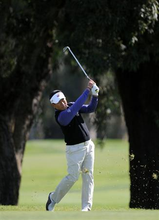 PACIFIC PALISADES, CA - FEBRUARY 19:  K.J. Choi of South Korea hits a second shot on the third hole during the third round of the Northern Trust Open at the Riviera Contry Club on February 19, 2011 in Pacific Palisades, California.  (Photo by Harry How/Getty Images)