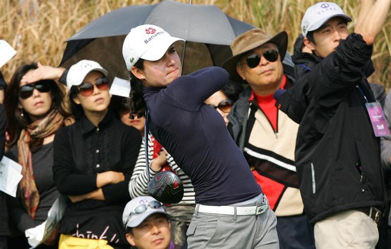 INCHEON, SOUTH KOREA - OCTOBER 30:  Lorena Ochoa of Mexico hits a teeshot in the 7th hole during round one of Hana Bank Kolon Championship at Sky 72 Golf Club on October 30, 2009 in Incheon, South Korea.  (Photo by Chung Sung-Jun/Getty Images)
