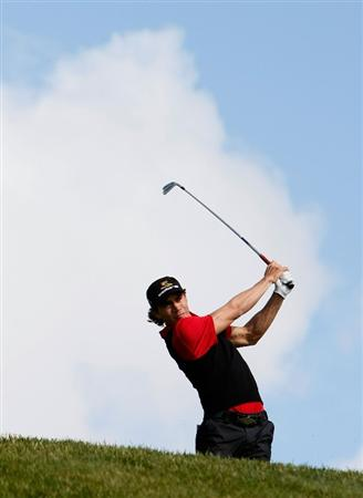 LA JOLLA, CA - FEBRUARY 06:  Camilo Villegas of Colombia hits a tee shot on the third hole during the second round of the Buick Invitational at the Torrey Pines South Golf Course on February 6, 2009 in La Jolla, California.  (Photo by Jeff Gross/Getty Images)