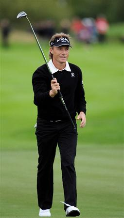 COLOGNE, GERMANY - SEPTEMBER 10:  Bernhard Langer of Germany celebrates his putt on the 18th hole during the first round of The Mercedes-Benz Championship at The Gut Larchenhof Golf Club on September 10, 2009 in Cologne, Germany.  (Photo by Stuart Franklin/Getty Images)