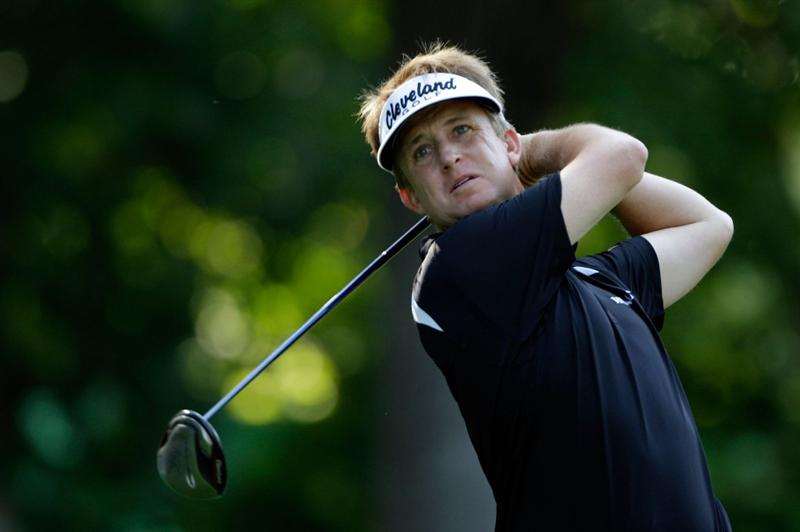 CHASKA, MN - AUGUST 14:  David Toms watches his tee shot on the 15th holeduring the second round of the 91st PGA Championship at Hazeltine National Golf Club on August 14, 2009 in Chaska, Minnesota.  (Photo by Jamie Squire/Getty Images)
